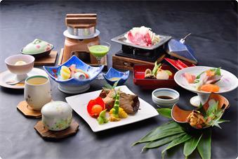 季節の食材を用いた会席料理。