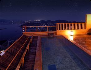 天候の良い日は天空露天風呂の上空には美しい星空が。最高のシチュエーションでご入浴!