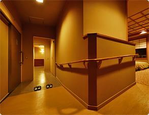 【扇栄】ユニバーサルデザインルームは車椅子のお客様の御利用も可能です。※一例