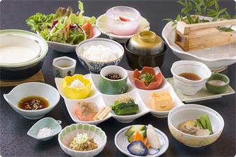 かんすい苑覚楽のお朝食 一日の源は朝食から!!お豆腐・ところてん・那須御用卵の玉子焼き ご飯が進みます☆☆