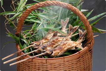 この時期にしか提供でき南枝新鮮な鮎の塩焼き
