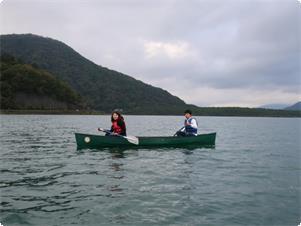 神秘的な朝の西湖カヌーツアーで感動体験♪