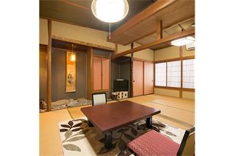 細部が一室ずつ異なる作りのお部屋。