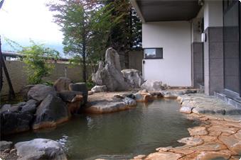 蔵王連峰を望む絶景の露天風呂