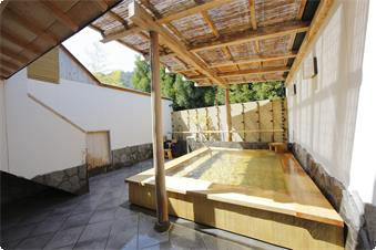 Large Private Outdoor/Open-air Onsen bath 1 Please enjoy the valuable and special moments in Arashiyama Onsen and our private and relaxing place with clear and fresh air of Arashiyama.