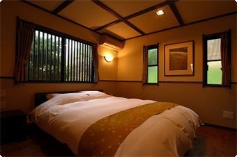 萌黄の客室・・・当館で人気のダブルベット。