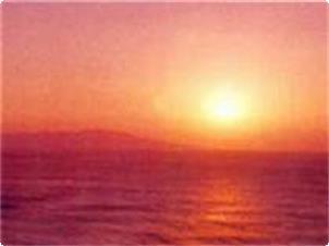 大島より登る朝日