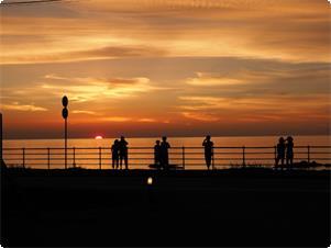 ホテル前からの夕陽