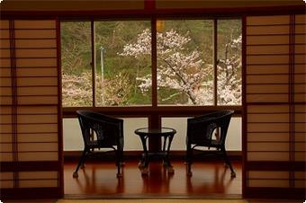 温海川が見えるお部屋です