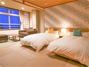 広々した客室に、ゆったりサイズのシモンズベッド。もちろん眺めも抜群です。