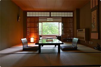 特別室(和室タイプ)は10畳+3畳+ツインルームで70㎡の広さです。