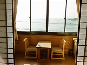お部屋から眺める海