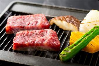 地元産みかわ牛のステーキ(イメージ)