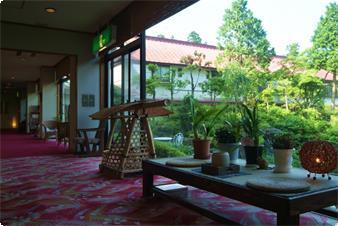 吉昇亭と春還楼の二つの建物がございます。