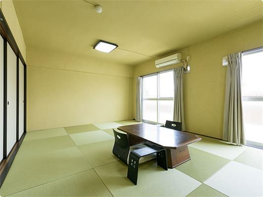 別館和室12畳のお部屋です。