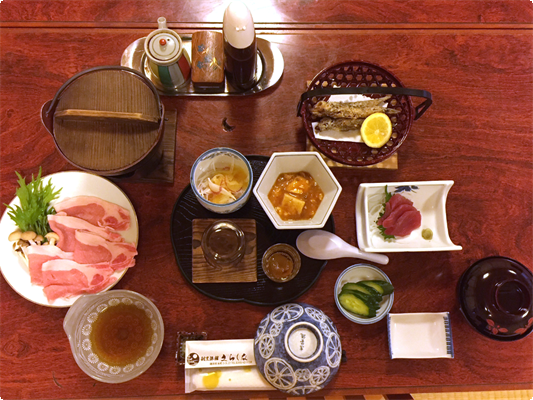 1泊2食付きプランの夕食の1例です。 料理内容は変更になる場合がございます。
