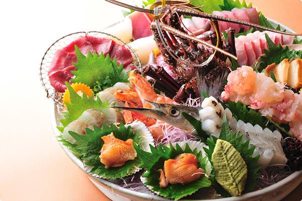 活き伊勢海老や鮑に冬の旬魚等々贅沢な寒旬魚お造里をたっぷりと