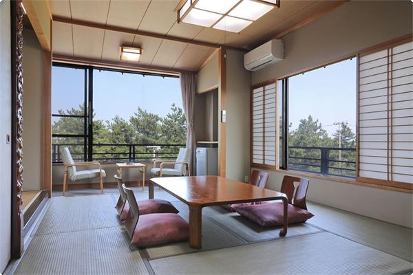 ・【3階海側和室一例】目の前が松林のため海はほとんど見えません