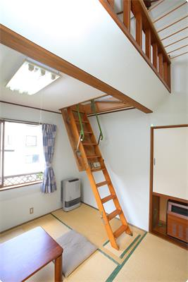 Japanese-Style Room 98 ft2 with 45 ft2 loft and Private Bathroom