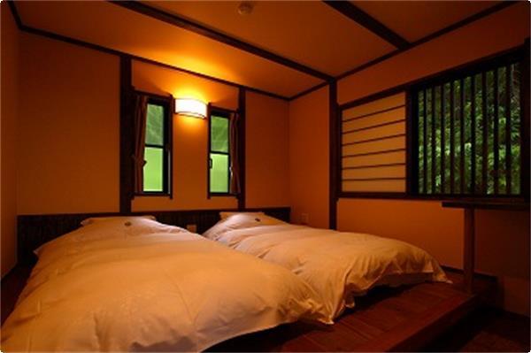 煤竹の客室
