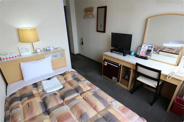 アメニティなど宿泊に必要な物は全て揃えております、安心してご宿泊いただき、翌日のお仕事、観光にお備えください。当ホテル自慢の朝食と合わせ、一日の始まりを心地良くお迎えください。