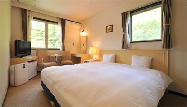 添寝に最適なハリウッドツイン。ベッド幅はシングル2台くっつけて約2メートル!