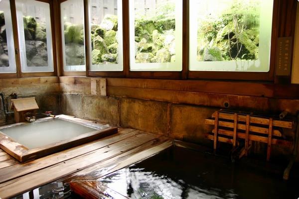 貸切風呂「正徳の湯」 チェックイン時ご予約制30分2,000円 当日フロントにお申し付け下さいませ。