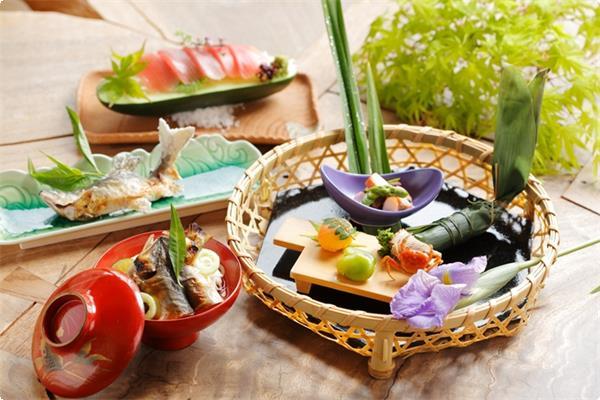 旬の食材を使用した季節会席料理【夏】のイメージです。
