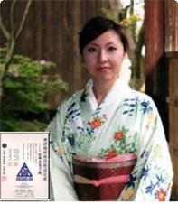 当地 関川村で酒屋を営む「やまさ」さんの娘さん。当館の日本酒は佐藤さんからご推薦頂いております。