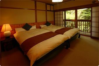 本館 和室+ベッドルーム+バルコニー 客室一例