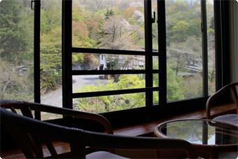 東館のお部屋からの景色(夏・一例)