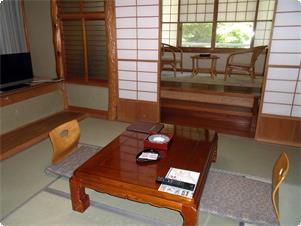 本館 6畳間客室一例/温水洗浄トイレ付
