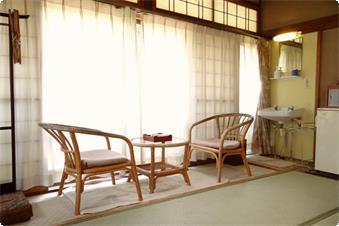 【第一別館 客室一例】ゆっくりとお寛ぎ頂ける広縁