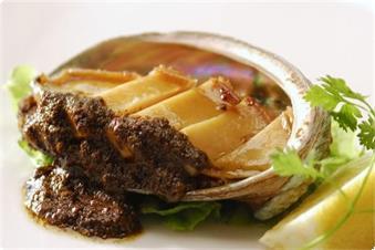 アワビのステーキ(肝ソース)