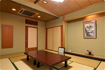 お部屋から筑波山は見えませんが、当館の最上階で位置し明るく広々とした和室です