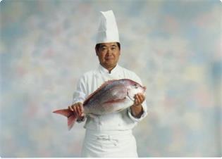 東京銀座で20年伊豆高原で16年の経験の オーナーシェフ。