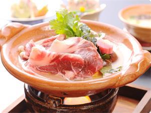 1月20日より解禁!「あがしし」肉! 鶴屋特製の酒粕と白味噌を合わせたスープのお鍋でお召し上がり下さい