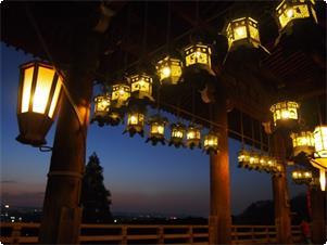 当館より徒歩約10分、東大寺二月堂回廊からの眺めです。
