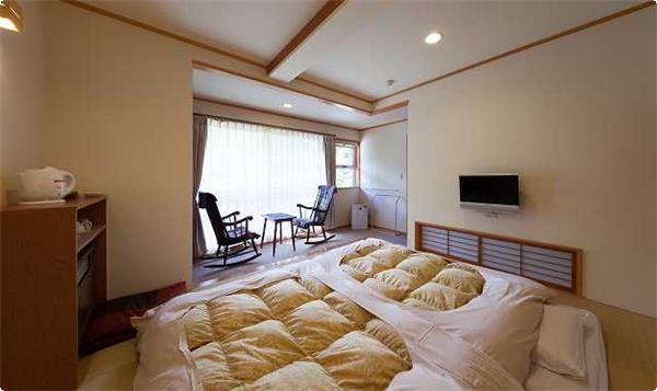 1~2名様用の客室です。 喫煙室1室と禁煙室3室があります。