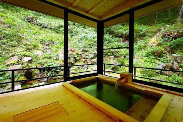 介山荘露付き特別室の一例