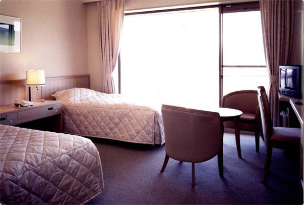 優美な景観が眺められる洋室ツインルーム。