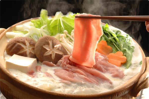 茶美豚(ちゃーみーとん)と野菜のしゃぶしゃぶ鍋